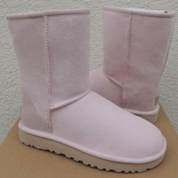 76955eb7e76 UGG Women's Classic Short II Boot Seashell Pink NWT
